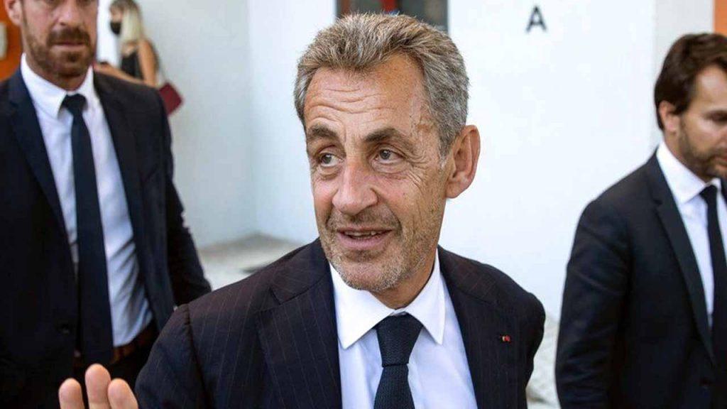Nicolas Sarkozy Ke Baare Me